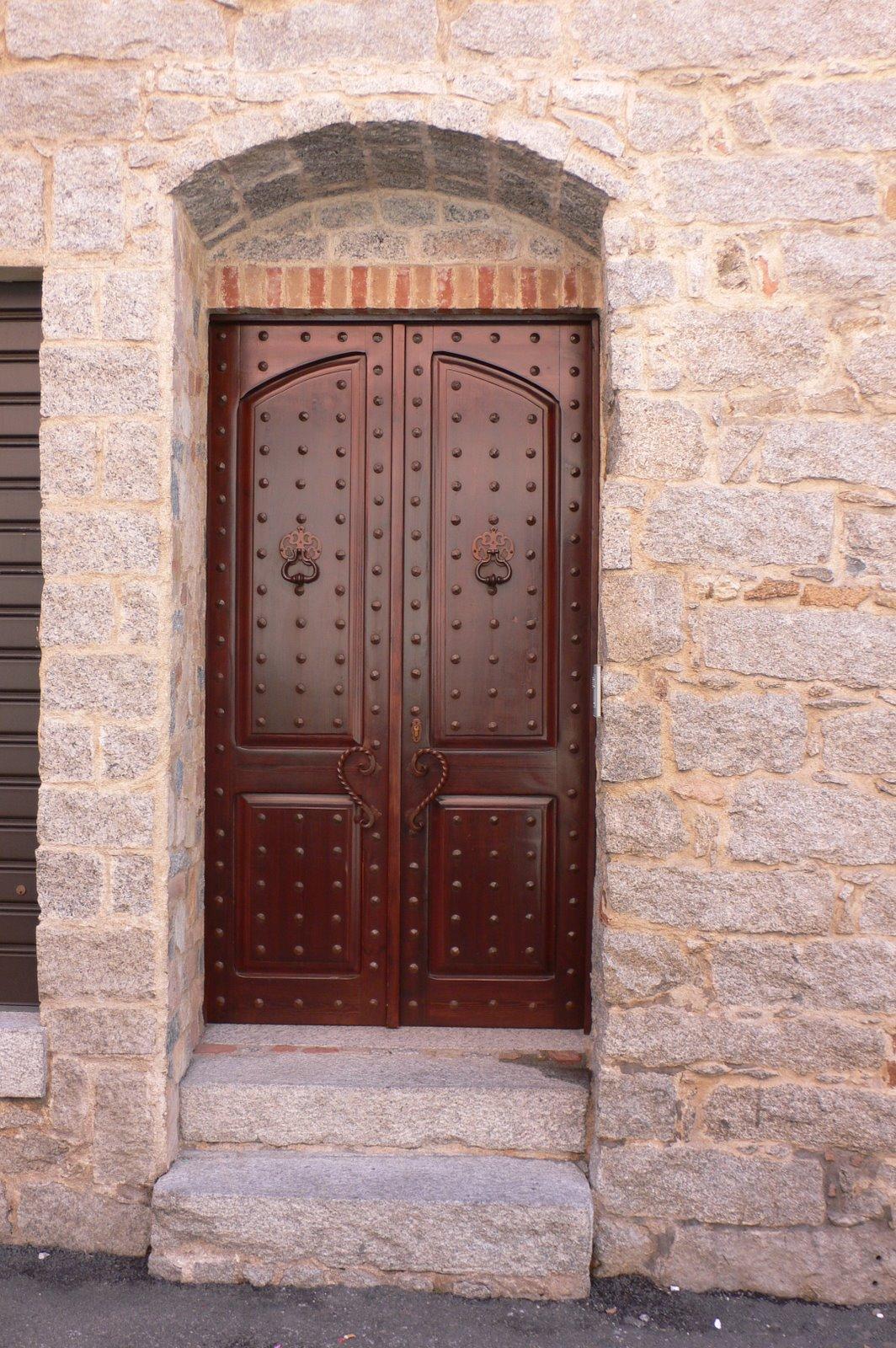 Behind Closed Doors : Behind closed doors in sardinia heather on her travels
