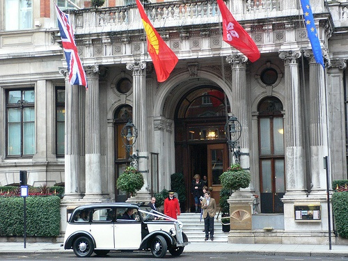 Entrance at Mandarin Oriental Hyde Park London