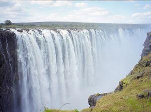 The Victoria falls in Zimbawe by mydestinationinfo