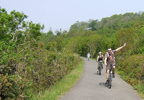 Cycling on the Tarka trail in Devon - photo by Stuart Berry