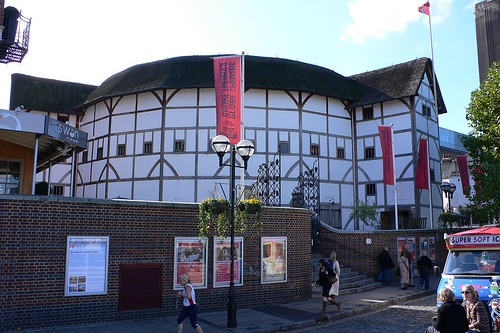 The Globe Theatre, South Bank, London Photo: Heatheronhertravels.com