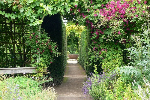 Abbey House Gardens in Malmsbury Photo: Heatheronhertravels.com