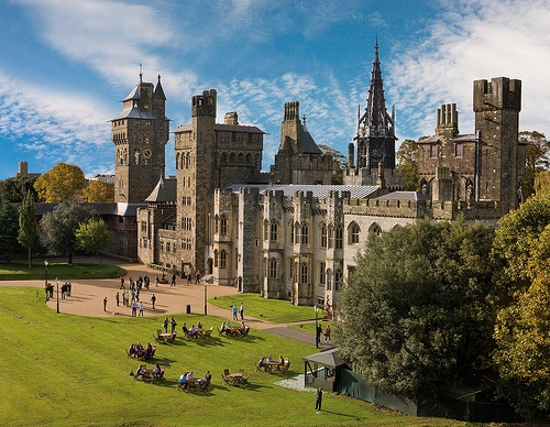 Cardiff Castle Photo: cardiffandco of Flickr