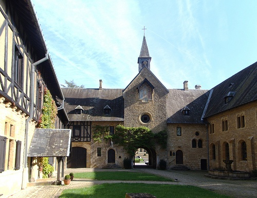Abbaye d'Orval Photo: ines saraiva of Flickr