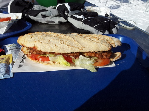 Sandwich on the slopes in Pas de la Casa Photo: Heatheronhertravels.com