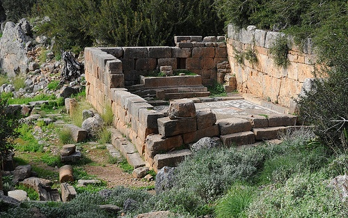 Ruins of the Lissos temple on Crete Photo: orientalizing on Flickr
