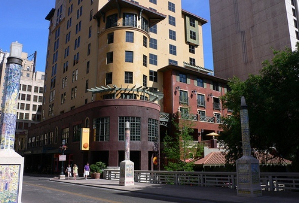 Review and video of hotel valencia riverwalk san antonio for Design hotel valencia