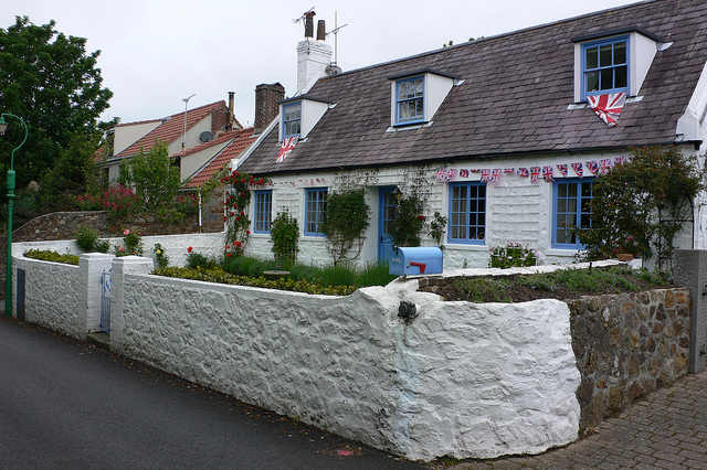 House on Guernsey Photo: Heatheronhertravels.com