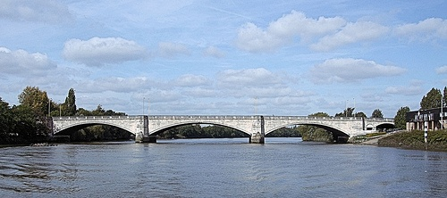 Chiswick Bridge Photo: Jim Linwood on Flickr