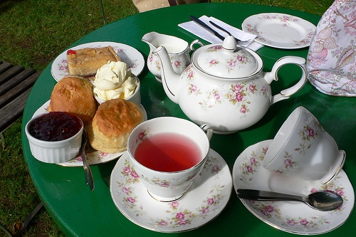 Try a cream tea in Cornwall Photo: Heatheronhertravels.com