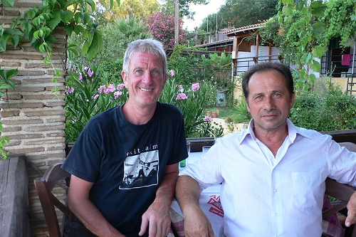Derek Linley and Antonis Sinetos from Harbour House Restaurant, Agios Sostis, Zakynthos Photo: Heatheronhertravels.com
