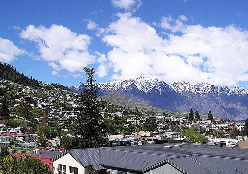 Queenstown and Remarkable Mountains Photo: wikipedia