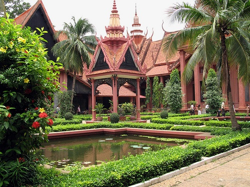 Garden at the National Museum of Cambodia Photo:  mookE on Flickr