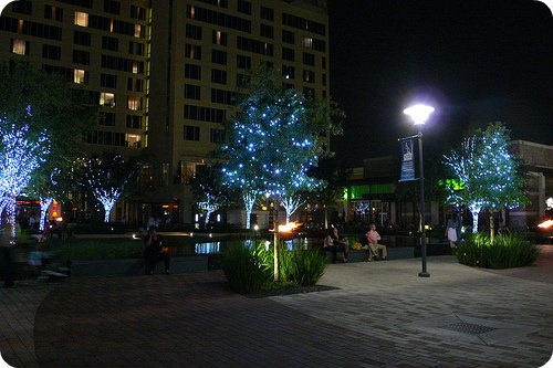 The Plaza at night, City Centre Houston in front of Hotel Sorella Photo: Heatheronhertravels.com