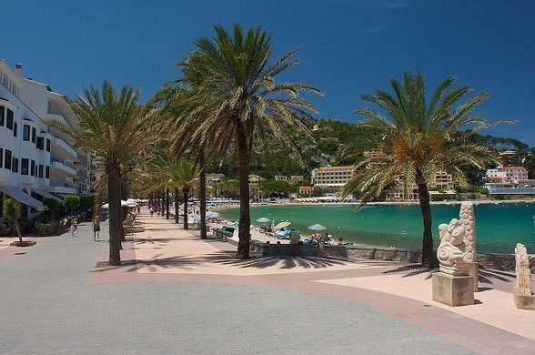 Beach Promenade at Port de Soller, Mallorca Photo: Morten Brekkevold on Flickr