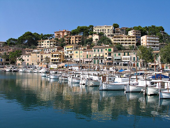Port de Soller, Mallorca, Spain Photo: Hanspoldoja on Flickr