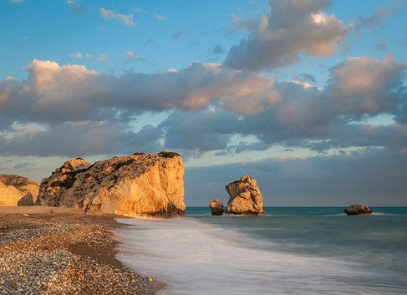 Aphrodite's Rock Photo: tomasz.cc of Flickr