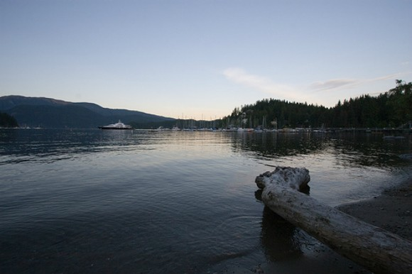 Deep Cove, Vancouver Photo: Junnn on Flickr