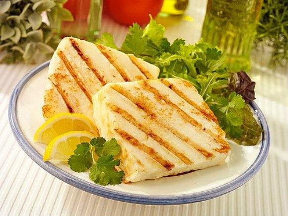 Grilled Halloumi cheese Photo: Monarch
