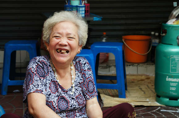Hospitable locals in Thailand, always smiling Photo:  Agness Walewinder