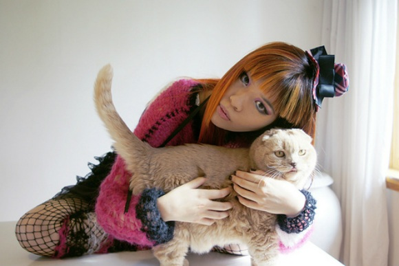 La Carmina with her Scottish fold cat, Basil Farrow Photo: LaCarmina.com