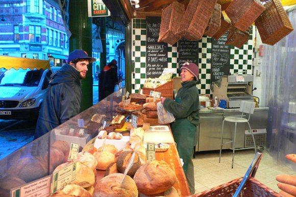 Bread stall at Borough Market Photo: Heatheronhertravels.com