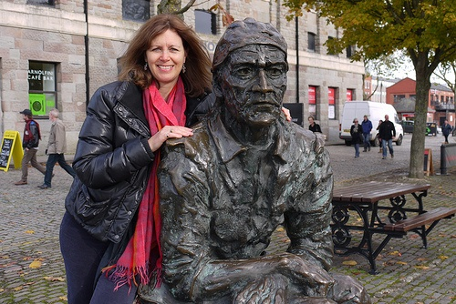 Heather with the statue of John Cabot in Bristol Photo: Heatheronhertravels.com