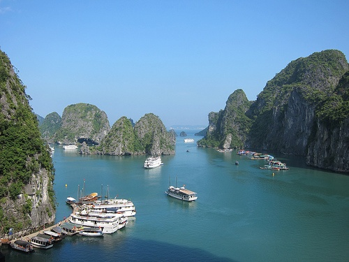 Halong Bay in Vietnam Photo: Cristinabe on Flickr