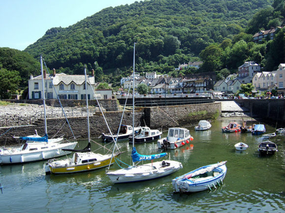 Lynmouth Harbour Photo: ebygomm of Flickr