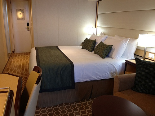 My Stateroom on the Royal Princess Photo: Heatheronhertravels.com