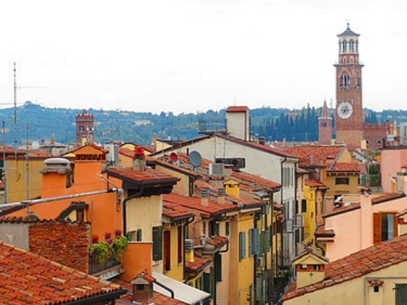 Verona rooftops Photo: Needanotherholiday.com