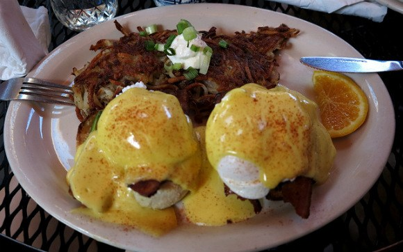 Brunch at the Tin Shed in Portland Photo: Double-barrelledtravel.com