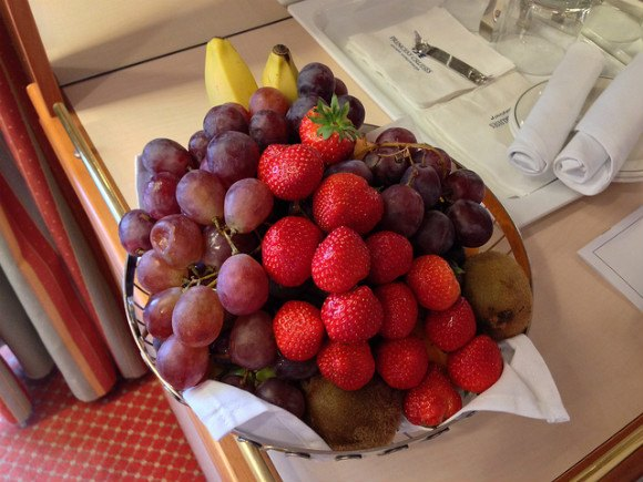 Fruit in our Stateroom on Crown Princess Photo: Heatheronhertravels.com