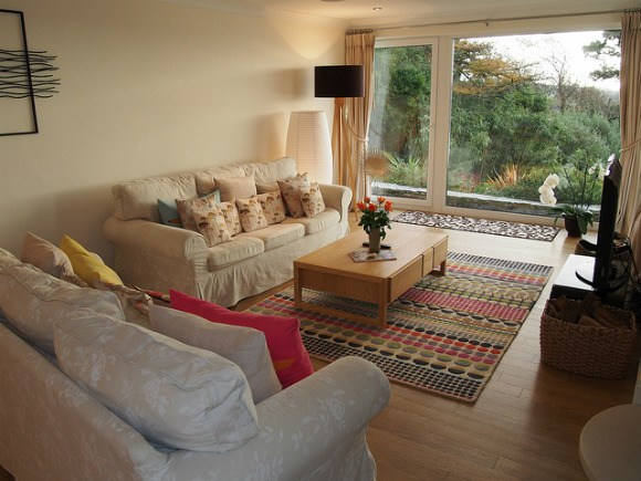 Living room at Stargazers in St Mawes - St Mawes Retreats Photo: Heatheronhertravels.com