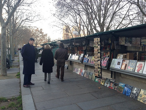Book sellers along the Seine in Paris Photo: Heatheronhertravels.com