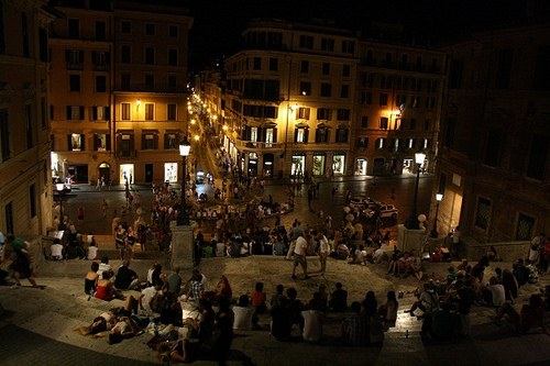 Nightime at the Spanish steps in Rome Photo: Heatheronhertravels.com