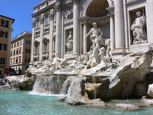 The Trevi Fountain in Rome Photo: Heatheronhertravels.com