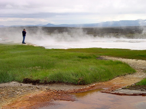 Geothermal lake in Iceland Photo: David Evers on Flickr