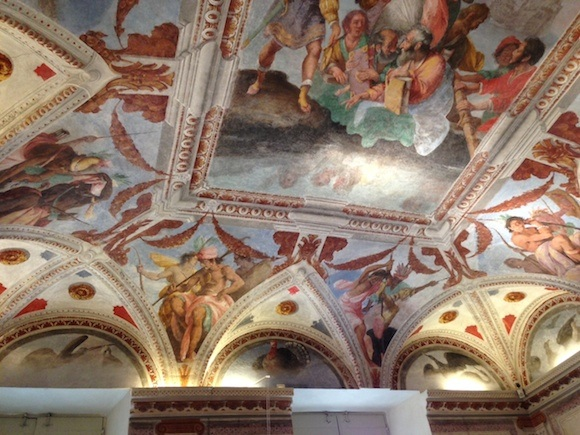 Ceiling fresco at Palazzo Nicolosio Lomellino Photo: Heatheronhertravels.com