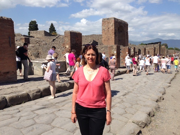 Heather at Pompeii Photo: Heatheronhertravels.com