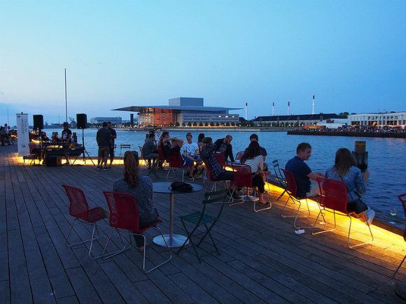 A sundowner in Copenhagen harbour Photo: Heatheronhertravels.com