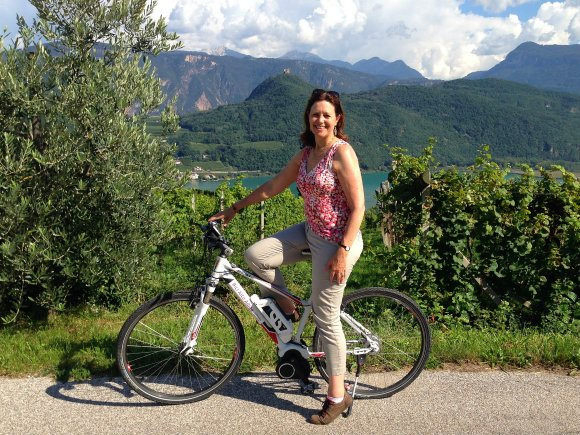 Cycling the wine road in South Tyrol above Lake Caldaro / Kaltern in South Tyrol Photo: Heatheronhertravels.com