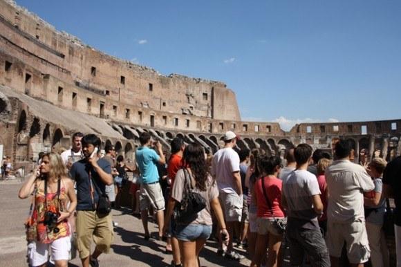 Inside the Colosseum in Rome Photo: Romesightseeing.net