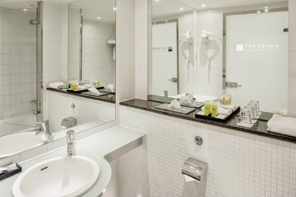 Bathroom at The Square Hotel, Copenhagen Photo: www.thesquarecopenhagen.com