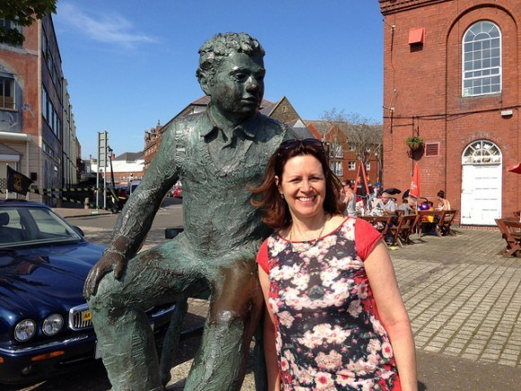 With the Dylan Thomas statue in Swansea Photo: Heatheronhertravels.com