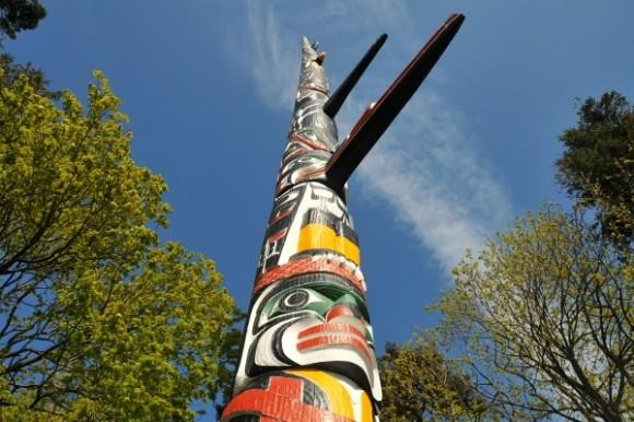 Beacon Hill Park Totem, Victoria,  BC  Photo: gr8traveltips.com