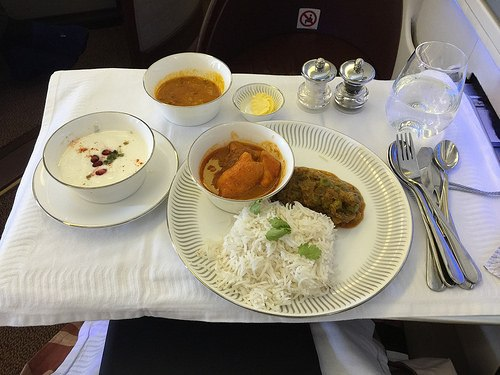Dinner on Premiere Class with Jet Airways Photo: Heatheronhertravels.com