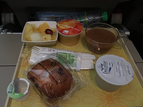Jet airways breakfast in economy class Photo: Heatheronhertravels.com
