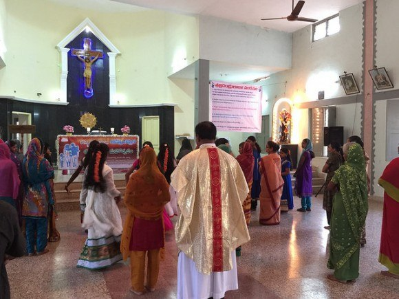 Mass at Mount Carmel church, Ananthapur, India Photo: Heatheronhertravels.com