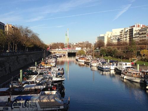 Walk along Canal St Martin in Paris Photo: Heatheronhertravels.com
